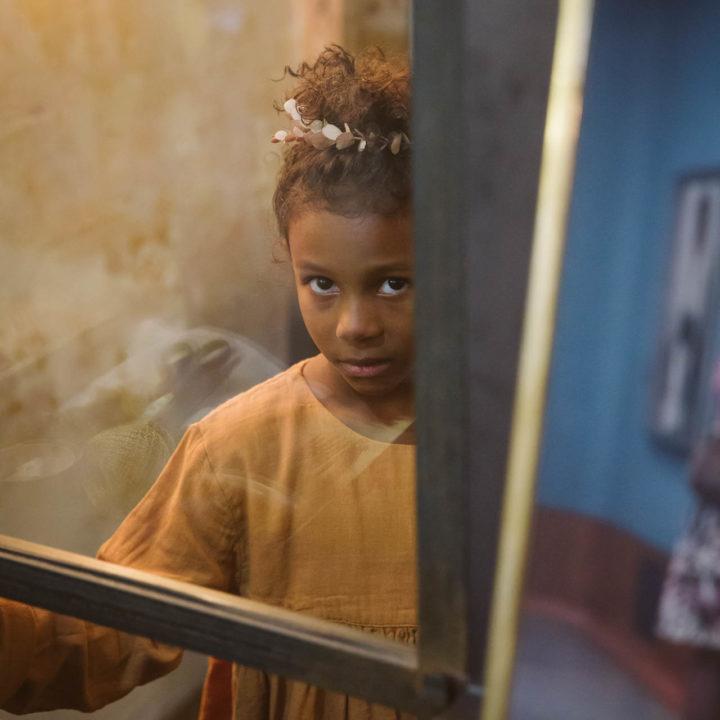 Photoshoot mode enfant au salon Le Discret à Annecy